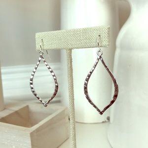 Silver Essence earrings